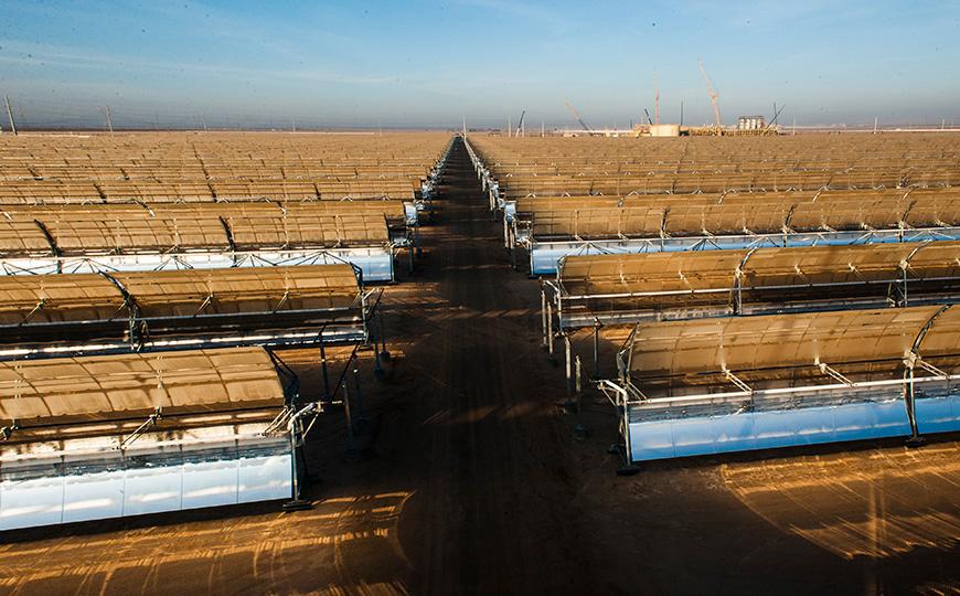 Las nuevas dimensiones y propiedades de los colectores y espejos de Mojave consiguen mejores rendimientos de potencia neta generada y una vida útil mayor