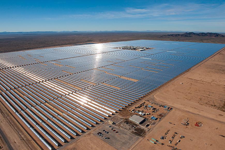 Solana, con una capacidad instalada de 280 MW, es la planta cilindroparabólica más grande del mundo