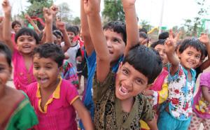 Niñas de la misión de Nani Singloti. Gujarat, India.